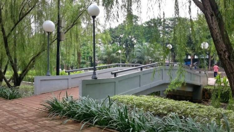 8 Taman Hits di Jakarta, Cocok Buat Nongkrong Bareng Keluarga
